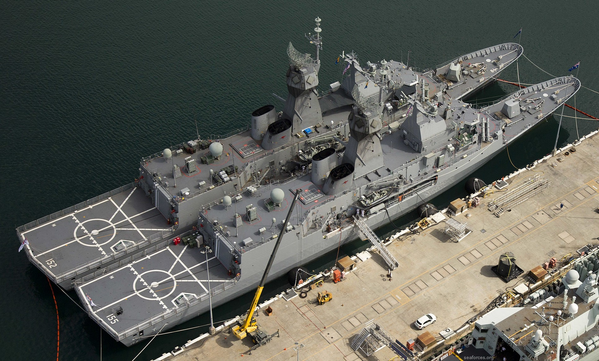 Parison Of Hmas Adelaide And The Former Aircraft Carrier Melbourne Courtesy Aussie Modeller