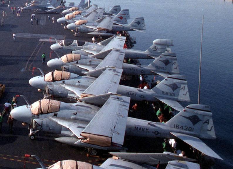 Grumman A-6 Intruder y EA-6B Prowler Image017