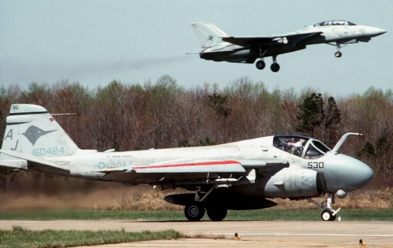 Grumman A-6 Intruder y EA-6B Prowler Image043