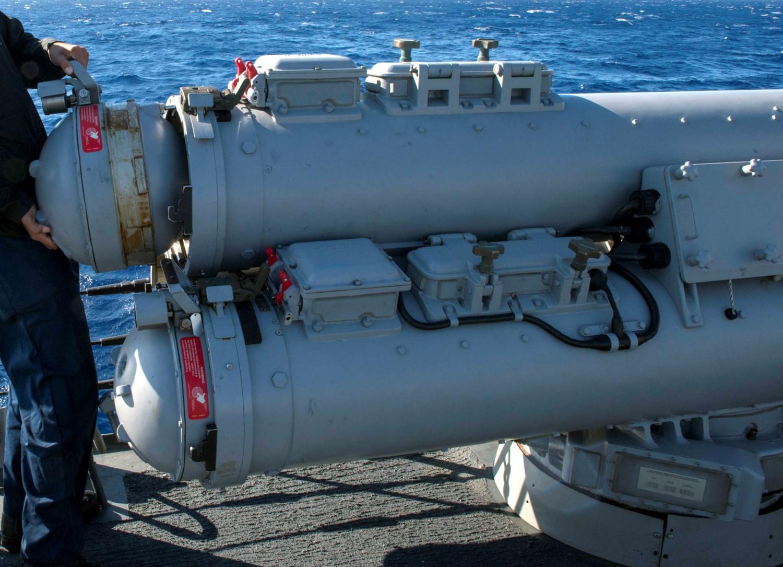 http://www.seaforces.org/wpnsys/SURFACE/Mk-32-SVTT_DAT/Mk-32-torpedo-tubes-015.jpg