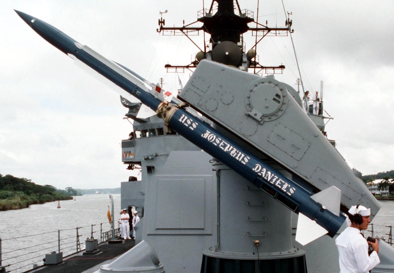 RIM-67-Standard-Missile-006.jpg